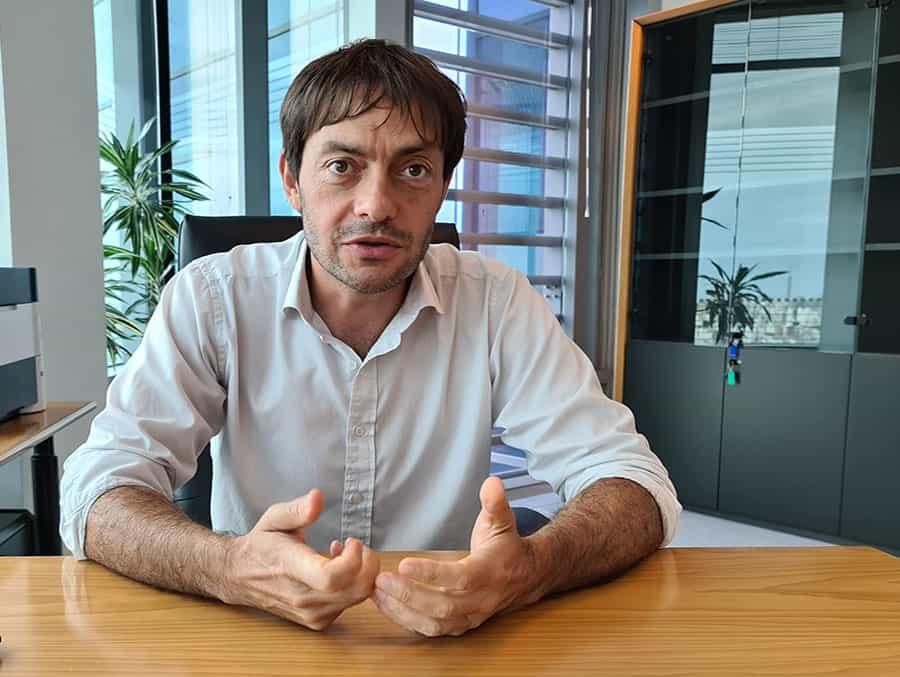 Daniel Larrosa